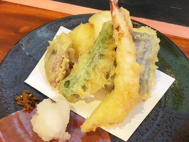 豊川小鳥の天ぷら盛